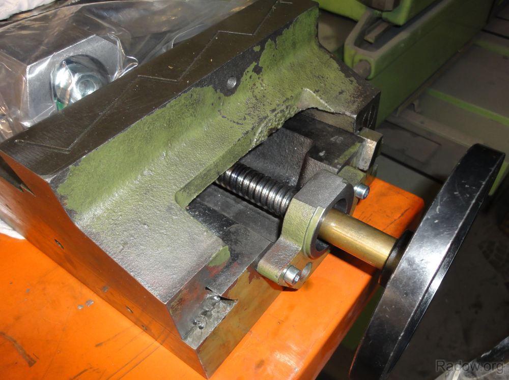 X-Achse - Loslager mit Handrad (Radow © 2012-09-02)