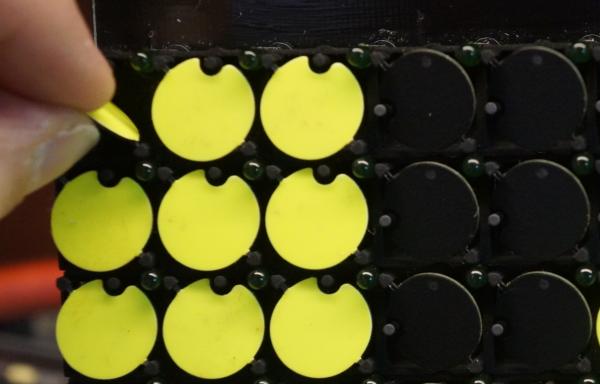Ausgeflippte Dots können einfach wieder eingesetzt werden (Radow © 2017-03-27)