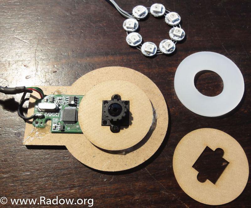 Aus einer 30 € Webcam ausgebautes Kameramodul mit MDF Halter